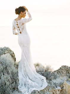 Stunning Lace Inbal Dror Gown | Wedding Sparrow | Feather and Stone Photography