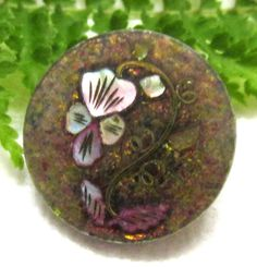RARE VICTORIAN HORN BUTTON INLAID PEARL PANSY BRASS STEM GLITTER BACKGROUND Y69