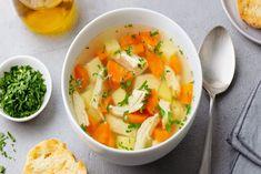 Κοτόσουπα Making Chicken Soup, Vegetable Soup With Chicken, Chicken Soup Recipes, Chicken And Vegetables, Healthy Foods To Eat, Healthy Eating, Healthy Recipes, Bulk Cooking, Vegetables