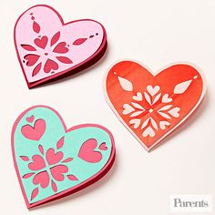 These snowflake patterned hearts are a fun #DIY valentine that kids of any age can make for classmates, friends, or family members.
