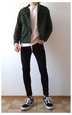 vans old skool black skinny jeans boys guys outfit   vans love #cool #outfits #for #guys #cooloutfitsforguys Outfits Hombre Casual, Stylish Mens Outfits, Boy Outfits, Casual Outfits For Guys, Casual Jeans, Outfit Ideas For Guys, Jeans Style, Hipster Outfits Men, Hipster Guys
