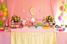Quer fazer uma festa infantil Princesas? Veja essas ideias super legais! Separamos inúmeras decorações e inspirações para festa infantil no tema Princesas.