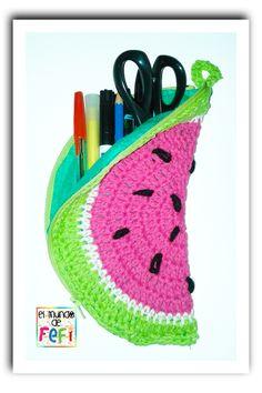 Cartuchera sandía y portalápices romántico, tejidos al crochet...