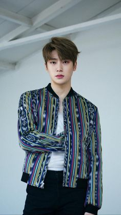 The Shades of The Perfect Prince Jung Jaehyun Jaehyun Nct, Nct Taeyong, Nct 127, K Pop Wallpaper, Jung Yoon, Valentines For Boys, Jung Jaehyun, Fandoms, Jeno Nct