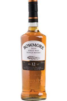 Pour l'amateur de cigare, le Bowmore 12 ans Islay #Scotch Single Malt de la pastille CORSÉ ET FUMÉ est tout indiqué. #spiritueux