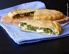 Torta salata greca con spinaci e feta (Spanakopita)