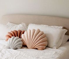 Decor Habitacion small business saturday - creative gift ideas - gifts for her - Holiday gifts - gift ideas for best friend - holiday gifts for coworkers - unique gift ideas - Christmas gift ideas - gifts for her Large Pillows, Decorative Pillows, Bed Pillows, Cushions, Decor Pillows, Décor Boho, New Room, Home Decor Inspiration, Shells