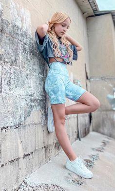 Girls Fashion Clothes, Girl Fashion, Fashion Outfits, Dance Moms Season 6, Hotpants Jeans, Lilliana Ketchman, Art Photography Women, Famous Dancers, Teen Girl Poses
