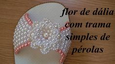 This diy beaded bracelets are the very easy jewelry making for everyone. Beaded Shoes, Beaded Jewelry, Decorating Flip Flops, Crochet Gratis, Beaded Crafts, Shoe Pattern, Crochet Shoes, Beading Projects, Summer Diy