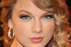 Google Image Result for http://www.takadanama.com/wp-content/uploads/2012/05/wedding-makeup-ideas-for-blue-eyes-taylor-swift.jpg