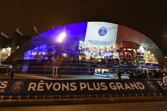 Album Paris - Troyes : 4-1, photo : Le Parc des Princes aux couleurs du drapeau français - psg.fr