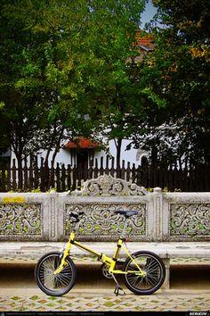 Cu bicicleta prin Bucuresti - 8: Universitate - Vila Minovici - Kiseleff - Calea Victoriei . Cycling In Bucharest - 8 - Universitate - Minovici - Kiseleff - Victoriei Avenue