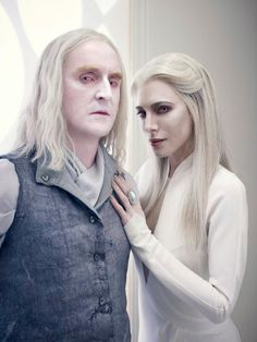 Defiance Duo Picture Album with Datak Tarr and Stahma Tarr