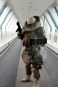 silicongene:  Juggernaut cosplay by スケルコ (via Sink00) (original photoset posted by gunrunnerhell)