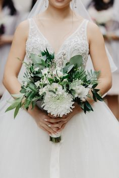 The perfect neutral bouquet does not exis- 😍 . Photography: @thulegit