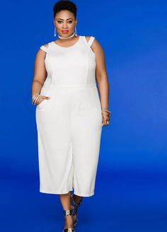 Statement = made when you rock this plus size gaucho jumpsuit featuring split shoulders and a mesh back. Plus Size Skater Dress, Plus Size Romper, Plus Size Jumpsuit, Plus Size Jeans, Plus Size Dresses, Plus Size Outfits, White Fashion, Curvy Fashion, Plus Size Fashion