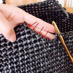 Diskusia na LiveInternet - Ruský servis Online denníky Crochet Clutch, Crochet Handbags, Crochet Purses, Knit Crochet, Mochila Crochet, Stitch Witchery, Diy Bags Purses, Tote Bags Handmade, Quilted Bag