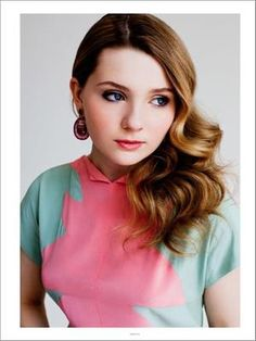 Abigail Breslin in Pink & Blue soft colors