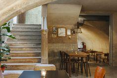 Café in de voormalig...