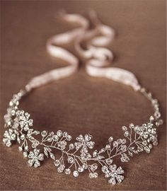 Wedding Hairstyles » Hair Comes the Bride – 20 Bridal Hair Accessories Get Style Advice for Any Budget ❤️ See more: http://www.weddinginclude.com/2017/03/hair-comes-the-bride-bridal-hair-accessories-get-style-advice-for-any-budget/ #weddinghairaccessories