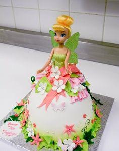 Prinzessin-der-Blumen-aus-dem-Wald-Figurentorte-Kindergeburtstag