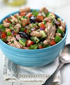 21 Mediterranean Diet Snack Recipes for Better Midday Munchies 21 Mediterranean Tuna and White Bean Salad greatist greatist Bean Salad Recipes, Snack Recipes, Cooking Recipes, Healthy Recipes, Simple Recipes, Mediterranean Diet Recipes, Tea Sandwiches, Le Diner, White Beans