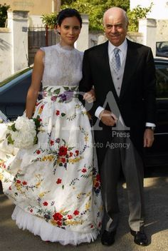 Vestido de Lorenzo Caprile. Falda con brocado inspiración fallera
