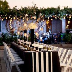 table de marriage design chaise blanche en bois déco bougie