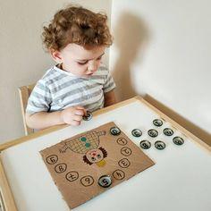 Infant Sensory Activities, Pre K Activities, Preschool Learning Activities, Baby Sensory, Working With Children, Fun Kids Activities, Building Toys, Montessori Activities, Easy Kids Crafts