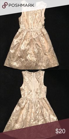 Gold fancy Evening dress Fancy evening dress - size 2. Perfect for a dinner party or dressy event! Just needs to be dry cleaned but have only worn once Cooperative Dresses Midi