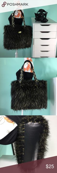 """Marc Fisher handbag Marc Fisher handbag. Highlighted hair like texture. 13"""" length, 17"""" width, 10"""" shoulder drop. Gently used. Inside is spotless and very clean. Would look great for the winter with some boots👌🏽 Marc Fisher Bags Shoulder Bags"""