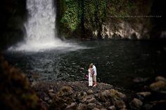 Rhett & Jillian :: Ain't No Mountain High Enough :: {Oregon Elopement, wedding wahchella falls Photographer} » Velvet Owl Photography Blog