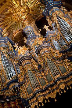 Święta Lipka Organ by JURphoto, via Flickr
