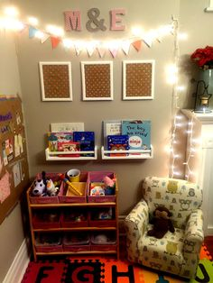 Create a toy and reading corner in your main living area. Maximize space in a small house. Create a toy and reading corner in your main living area. Maximize space in a small house…. Kids Play Corner, Toy Corner, Toddler Play Area, Baby Play Areas, Play Spaces, Kid Spaces, Small Spaces, Small Living Rooms, Living Room Designs