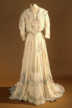 Dress, Girolamo Giuseffi (American, 1864-1934) for G. Giuseffi L.T. Company: ca. 1905, silk, lace, linen.