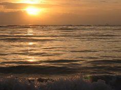 Lindo amanhecer na praia