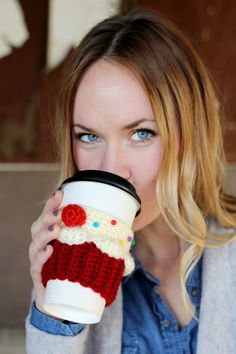 Cupcake Coffee Cozie - it's Crochet, but wouldn't be too hard to turn it into a knit pattern :)