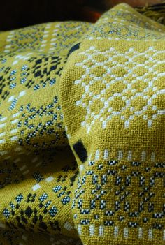 Vintage Welsh Blanket: Mustard & Black. via Damson & Slate ...........click here to find out more http://googydog.com