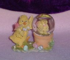 YELLOW CHICKS IN SNOW GLOBE ORNAMENT ** 3 INCHES TALL ** 3 INCHES WIDE ** CUTE