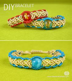 How to Make a Wavy Herringbone Bracelet in two colors with a bead: http://youtu.be/VV08o4804qk