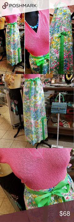 """Vintage 1960's Midge Grant Floral Maxi Skirt Spring has sprung on this little number ?? 1960's Midge Grant Floral Maxi Skirt   Size Small to Medium Flat lay measurements: Waist 14.75 """" Vintage Skirts Maxi"""