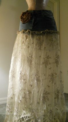 Belle Demoiselle jean skirt sheer sexy vintage lace beige ecru jolie French bohemian Renaissance Denim Couture with optional rose pin Diy Clothing, Sewing Clothes, Cute Fashion, Diy Fashion, Diy Vetement, Jeans Rock, Buy Jeans, Do It Yourself Fashion, Denim Crafts