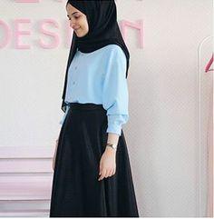 Najwa - somewhat less gothy - Argoratta Hijab Style, Casual Hijab Outfit, Hijab Chic, Abaya Fashion, Modest Fashion, Fashion Outfits, Muslim Women Fashion, Islamic Fashion, Modest Outfits