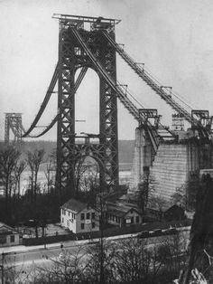 Over the river: Six New York bridges under construction - The Bowery Boys: New York City History Bridge Construction, Under Construction, Manhattan Bridge, Brooklyn Bridge, Time Life Magazine, The Bowery Boys, Williamsburg Bridge, Washington Heights, Vintage New York