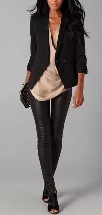 Fringe with benefits: trends to try: leather leggings moda formal, ropa informal, Street Style Outfits, Mode Outfits, Fall Outfits, Casual Outfits, Fashion Outfits, Womens Fashion, Summer Outfits, Casual Clothes, Casual Jeans