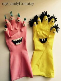 DIY Halloween Monster from Recycling Kids Halloween Rubber Gloves . - DIY Halloween Monster from Recycling Kids Halloween Rubber Gloves … – gloves - Diy Halloween, Halloween Crafts For Kids, Kids Crafts, Halloween Nails, Vintage Halloween, Recycling For Kids, Diy For Kids, Diy And Crafts, Arts And Crafts