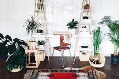 Modern Office - 30 Small-Space Hacks You've Never Seen Before - Photos