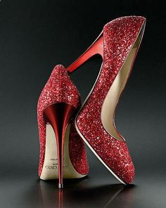 Lady in Red: Jimmy Choo red sparkle pumps.❥❥The Lady in Red. Dream Shoes, Crazy Shoes, Me Too Shoes, Pretty Shoes, Beautiful Shoes, Gorgeous Heels, Sparkle Heels, Glitter Pumps, Bling Heels