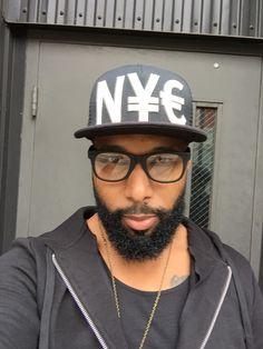 #morrisbarber #beardman #blackmen #streetfashion #urbanstyle