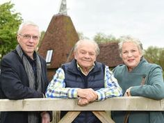 """THE stars of The Darling Buds Of May have returned to the farm where episodes were shot in what old Pop Larkin would call a """"perfick"""" reunion. British Tv Comedies, British Comedy, British Actresses, Popular Tv Series, New Series, A Touch Of Frost, Darling Buds Of May, David Jason, Only Fools And Horses"""